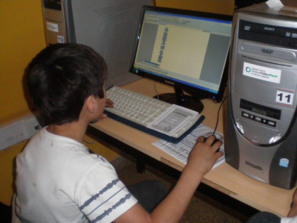 App para rehabilitación de discapacidades motoras computadora aplicación ayuda juegos apoyo integracion