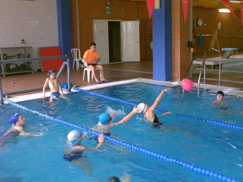 personas con autismo discapacidad piscina publica