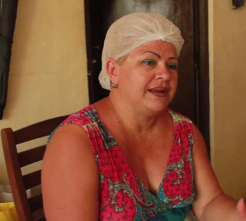 repostera con discapacidad auditiva incluyeme inclusivo trabajo